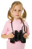 Mała dziewczynka z lornetkami Zdjęcia Royalty Free