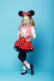 Mała dziewczynka z myszy maską Obrazy Royalty Free