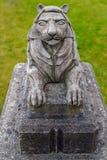 Mała kamienna lew statua w Stanley parku blisko do lew bramy mostu obrazy stock