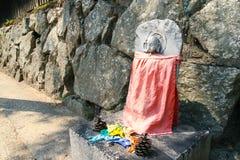 Mała kamienna postać Buddha zdjęcie royalty free