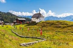 Mała kaplica przy wioską Bettmeralp zdjęcia royalty free