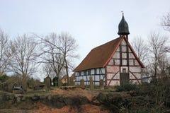 Mała kaplica z cmentarzem w Jarmshagen, Mecklenburg-Vorpommern, Niemcy obrazy stock