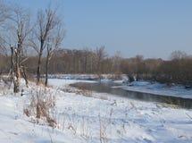 Mała mała rzeka w zimie Zdjęcia Stock