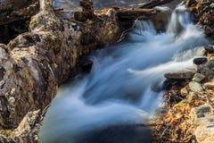 Mała Odosobniona siklawa w Blue Ridge Mountains Virginia, usa fotografia royalty free
