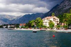 Mała plaża na Kotor zatoce Zdjęcie Royalty Free
