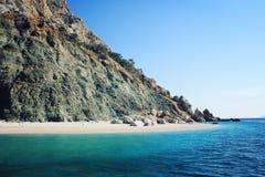 Mała plaża na wyspie blisko Adrasan rocky brzegu Południowy wybrzeże Fotografia Royalty Free