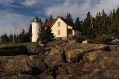 Mała Rzeczna latarnia morska w wczesnego poranku świetle Obrazy Stock