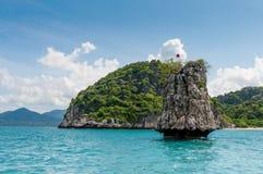 Mała skała na sposobie Phangan wyspa Fotografia Royalty Free