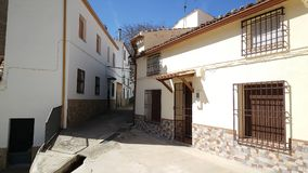 Mała ulica w Huelga Utrera obrazy stock