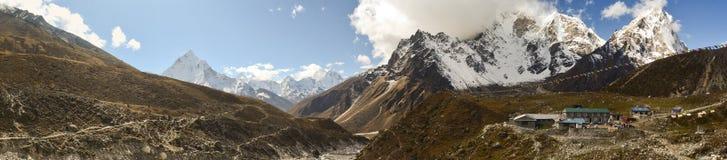 Mała wioska w himalajach w Nepal obraz stock