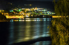 Mała wioska w Norway iluminuje przy nocą Obraz Royalty Free