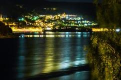 Mała wioska w Norway iluminuje przy nocą Obrazy Stock