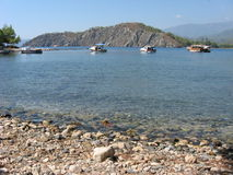 Małe łódki blisko Phaselis w Antalya Obraz Stock