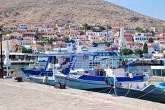 Małe łódki, Emborio Zdjęcia Stock