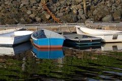 Małe Łódki przy dokiem Zdjęcia Stock