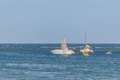 Małe Łódki przy oceanem Porto Galinhas Brazylia Obrazy Stock