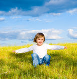 małe dziecko łąka Obraz Royalty Free