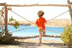 Małe dziecko na plaży Obrazy Royalty Free