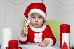 Małe dziecko pisze liście Santa Zdjęcia Stock