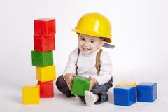 Małe inżynier sztuki z sześcianami Zdjęcia Stock
