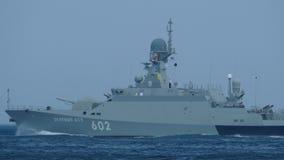 Małe pocisk łodzie Rosja z pociska kaliberem zdjęcie wideo