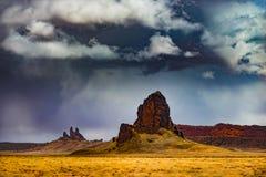 Małe rockowe formacje blisko Agathla Osiągają szczyt Kayenta Arizona Obraz Royalty Free