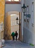 Małe ulicy w starym miasteczku obrazy royalty free