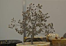 Małego modela drzewo robić metal i kryształy Obraz Stock
