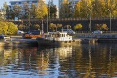 Małej łódki schronienie Obrazy Stock
