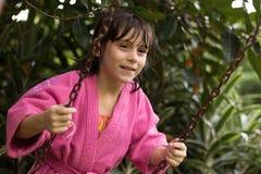 Małej dziewczynki chlanie Zdjęcia Royalty Free