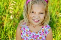 Małej dziewczynki piękny uśmiechnięty zakończenie Fotografia Royalty Free