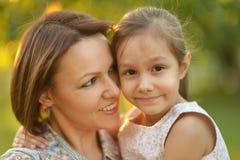 Małej dziewczynki przytulenie Obrazy Royalty Free