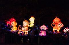 Małpia latarniowa oświetleniowa dekoracja na ulicie w Chinatown, Singa Fotografia Stock