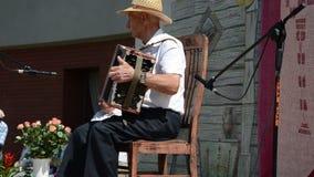 Mały akordeonu mężczyzna zbiory wideo