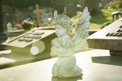 Mały anioł na grób Obraz Stock