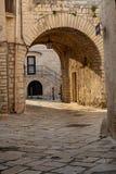 Mały antyczny Włoski miasto na Adriatyckim dennym brzeg Giovinazzo zdjęcie royalty free