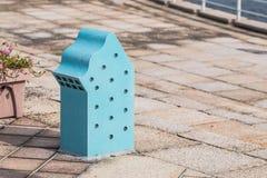 Mały błękitny lightbox w parku Zdjęcie Royalty Free