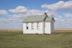 Mały biały kościół na preriach Obrazy Royalty Free