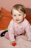 Mały blondynka berbecia dziewczyny ono uśmiecha się Obraz Stock