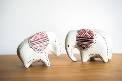 Mały ceramiczny słoń zdjęcia royalty free