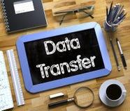 Mały Chalkboard z transferu danych pojęciem 3d Obraz Royalty Free