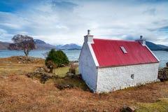 Mały croft na Loch Shieldaig zdjęcia royalty free