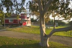 mały czerwony budynek szkoły Obrazy Royalty Free
