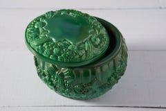 Mały dekoracyjny zielony malachitowy round pudełko Zdjęcia Royalty Free