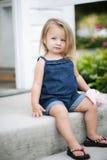 mały dziewczyna cukierki Obrazy Stock