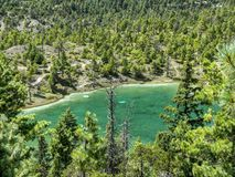Mały jezioro w środku las pod Annapurna 2, Nepal Obrazy Stock