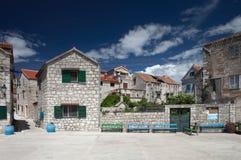 Mały kwadrat w idyllicznej, śródziemnomorskiej wiosce, Zdjęcie Stock