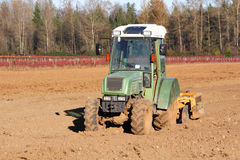 Mały Oszczędnościowy ciągnik i hobby gospodarstwo rolne Obraz Stock