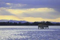 Mały połowu dom w morzu przy rybim gospodarstwem rolnym w Tajlandia Zdjęcie Royalty Free