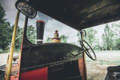 Mały pociąg protestuje i miejsca gubjący w czasie zdjęcie royalty free